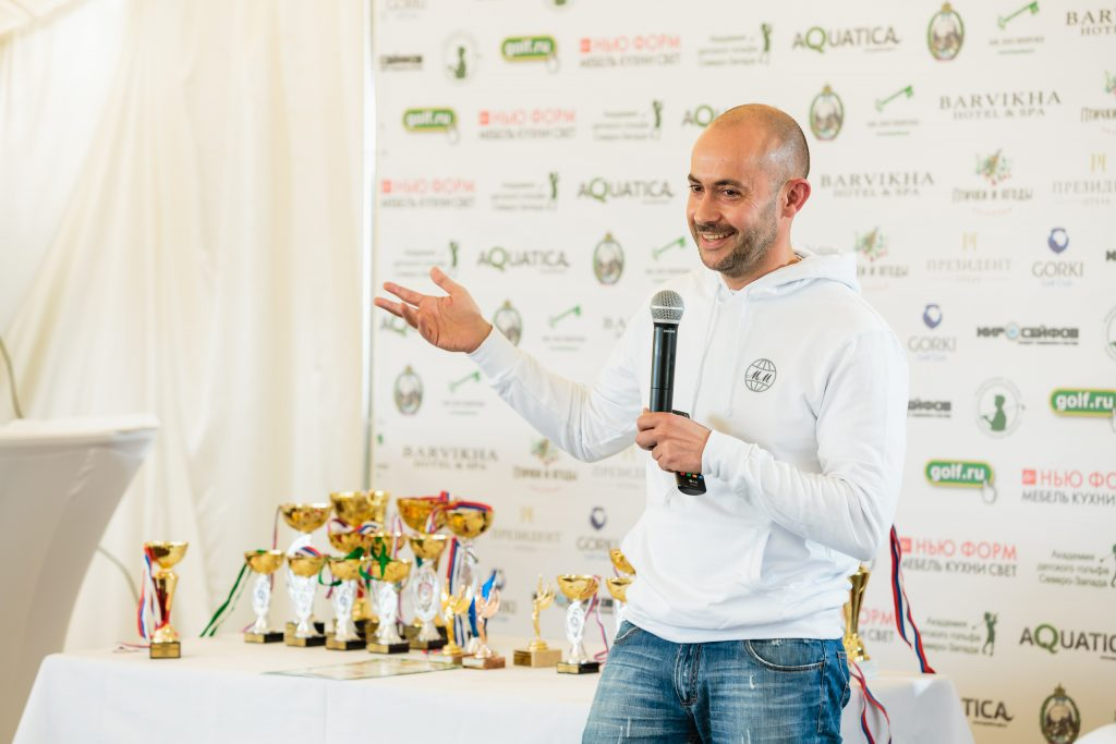 Николай Миклухо-Маклай вручил призы победителям турнира по гольфу